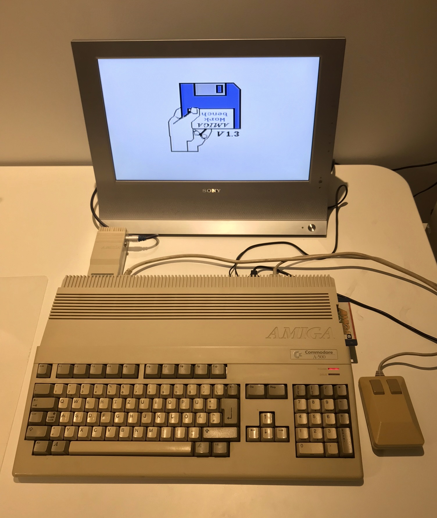 Amiga 500 Myydään