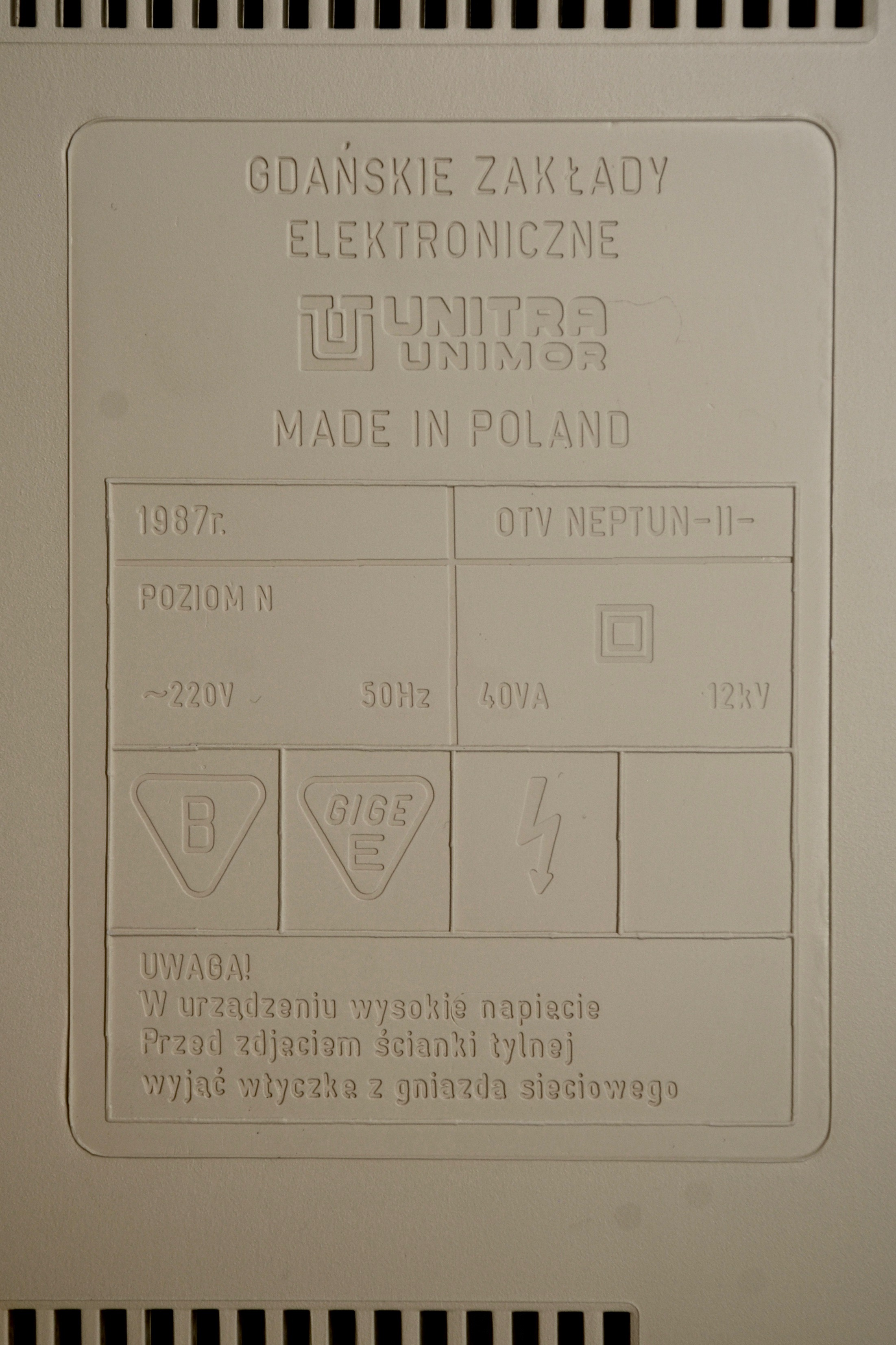 Neptun M156B Monitor – Old Crap Vintage Computing