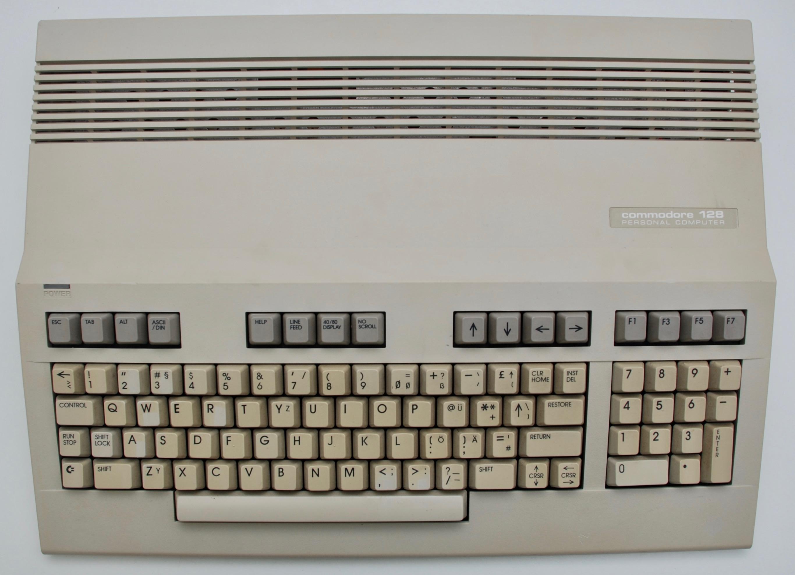 Commodore C128 – Old Crap Vintage Computing